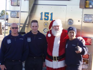 Santa Photos Glendale Youth Center/Firefighters